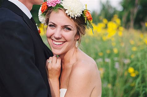 chelsey jeffrey  whimsical wedding  pops  color