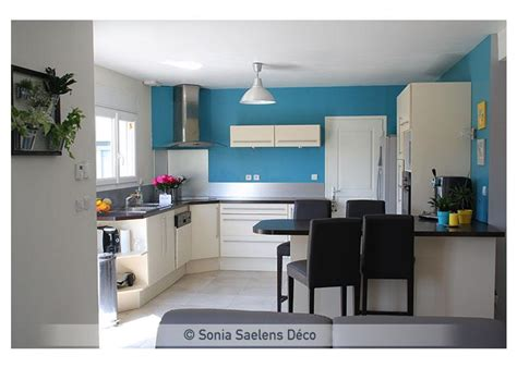 cuisine blanche et bleue schön cuisine blanche mur bleu 452328 moderne blanc meubles