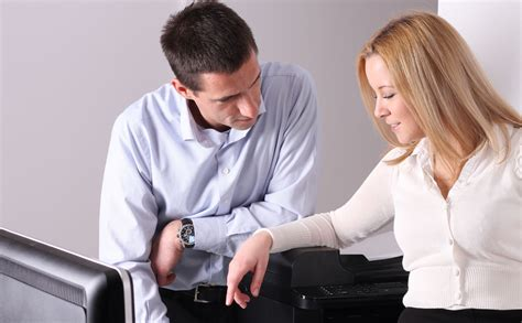 amour bureau 8 conseils pour séduire au bureau mode s d 39 emploi