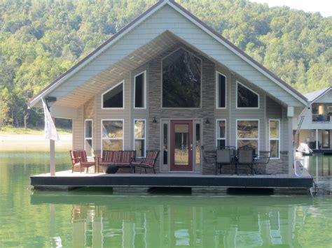 beautiful floating house sleeps  gorgeous view la