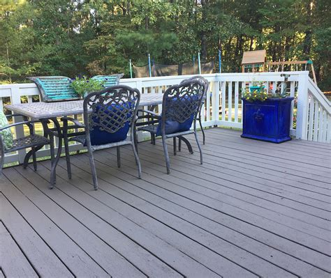 refinish   wooden deck  rocksolid  deck