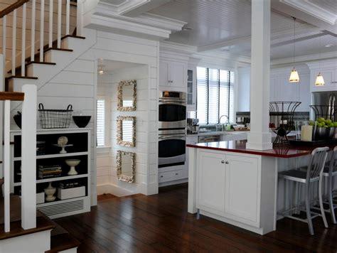 bungalow kitchen ideas 12 cozy cottage kitchens hgtv