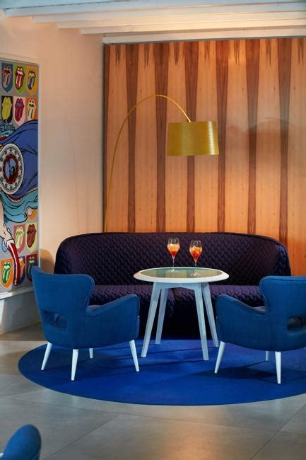 modern ideas  create peaceful  comfortable living room designs