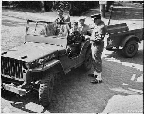 russian jeep ww2 file civilian photo technicians in back of jeep working