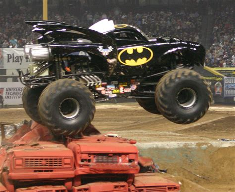 videos de monster trucks batman truck wikipedia