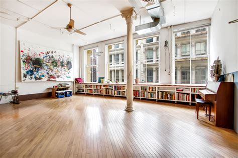 hip huge artist loft  soho    cheap sqft
