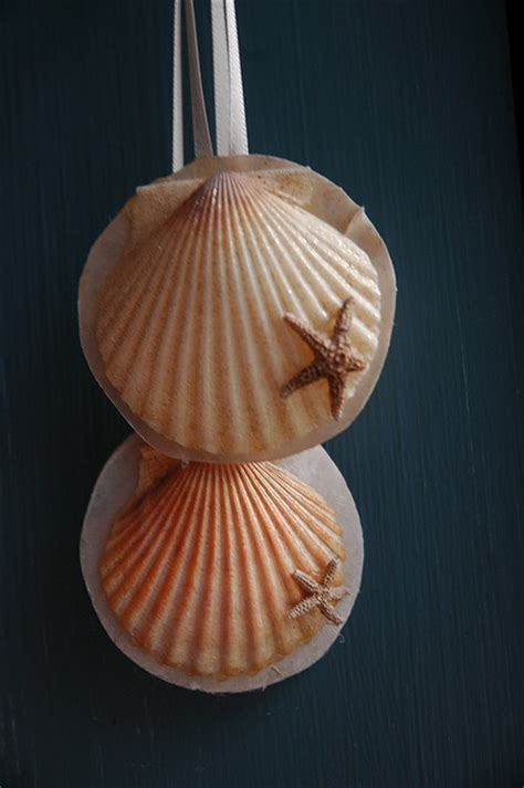 christmas crafts with shells 17 best images about scallop shell crafts on shell ornaments ornaments and