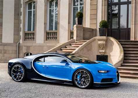 The bugatti chiron is the first near production car to drive faster than 300 mph. Bugatti Chiron - Fast Lane