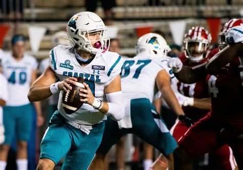 Coastal Carolina knocks off No. 21 La.-Lafayette 30-27 | ABC27