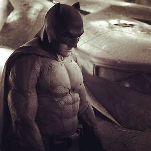 'Batman vs. Superman': Ben Affleck in Batsuit, Batmobile ...