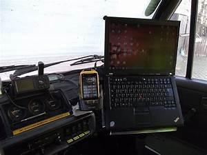 Laptop Halterung Auto : das offroad forum laptop im auto sicher befestigen ~ Eleganceandgraceweddings.com Haus und Dekorationen