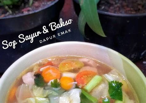 Sayur sop ini juga bisa menjadi resep sayur kuah wajib dalam pesta hajatan. Resep Sop Sayur & Bakso oleh Dapur Emak - Cookpad