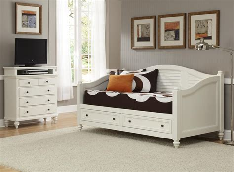 Home Styles Bermuda Daybed & Tv Media Chest-home