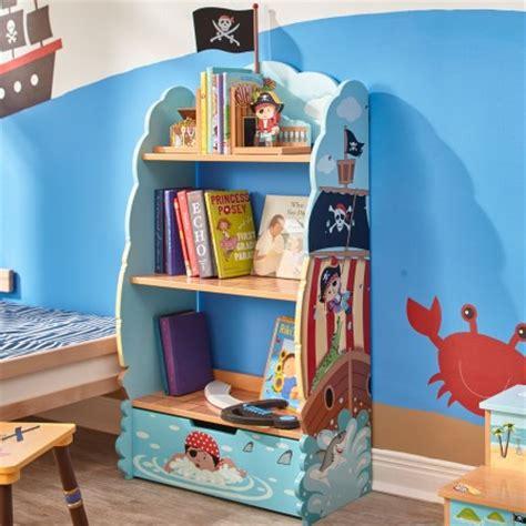 décorer la chambre d 39 un garçon sur le thème des linge de ilt accessoires et déco de pirate décorer