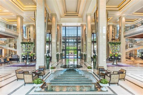 an introduction to bangkok s luxury hotels