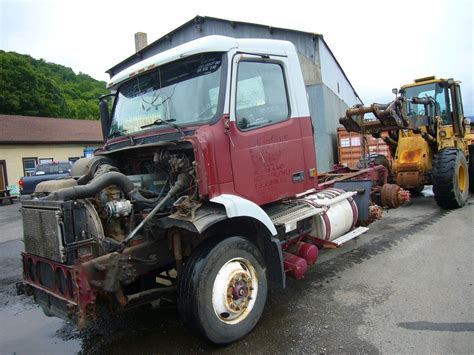 2000 volvo tractor for sale 2000 volvo vnm64t tandem axle day cab tractor for sale by