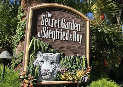 siegfried and roy secret garden siegfried roy s secret garden and dolphin habitat at the