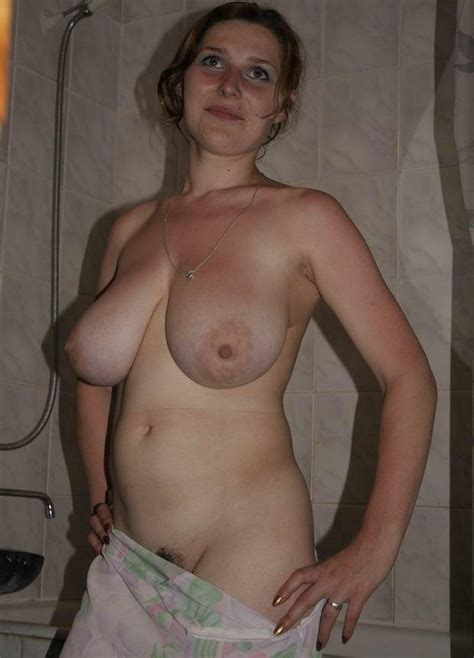 Busty Exgirlfriend Babe Shows Her Big Natural Tits And Big Nipples Pichunter