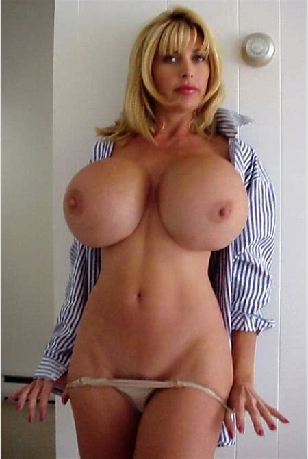 Nude Moms - Big tits hotties and curvy amateur moms naked here
