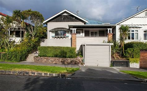 glass bungalow design home design auckland bungalow with modern glass and timber extension