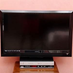 Vizio Tv With Philips Dvd  Vcr Player   Ebth