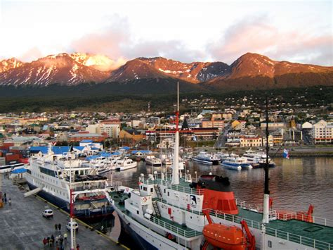 file ushuaia port jpg