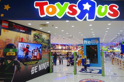 Toys 'r' Us Is Said To Mull Options For S.71 Billion