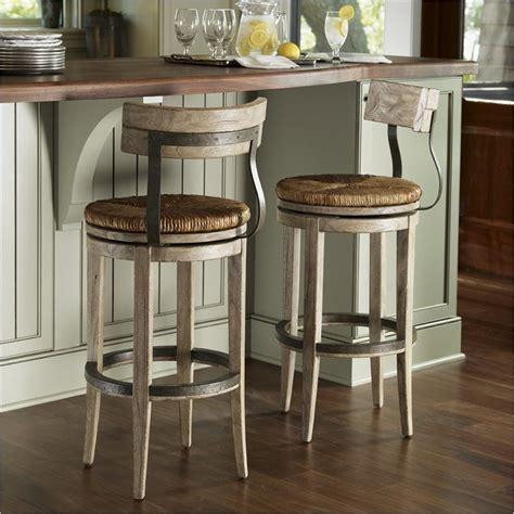 ideas  wooden base stools  kitchen bar decor