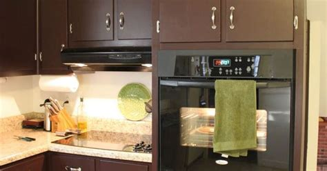 pictures of kitchen cabinets brown painted kitchen cabinets silver hardware looks 4207