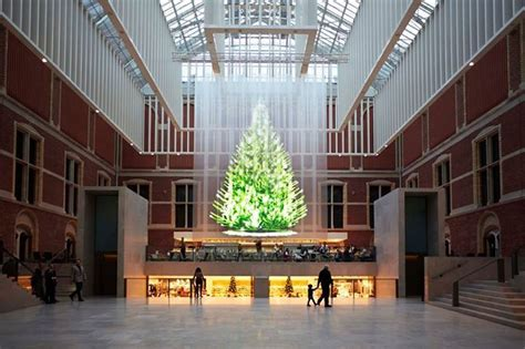 the tree of light a holographic christmas tree in the