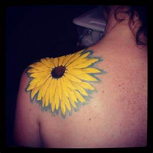 Sunflower tattoo ideas love the outline | Tattoo's | Pinterest