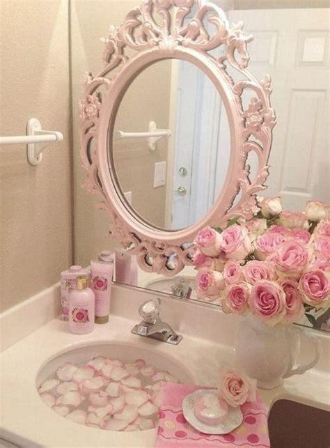 Pink Bathroom Wall Decor by Shabby Chic Bathroom Decor In 16 Admirable Ideas Nove Home