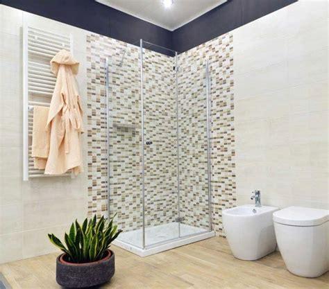 Bagni Con Mosaico by Bagno Moderno Con Doccia Mosaico Con Ristrutturazione