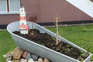 Garten badewanne badewanne pflanzen garten whirlpool for Whirlpool garten mit pflanzkübel xxl keramik