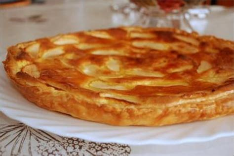 tarte au pomme pate feuilletee tarte feuillet 233 e aux pommes et cr 232 me d amande paperblog