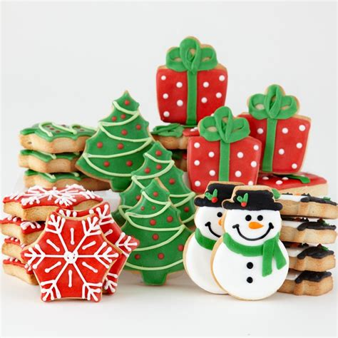 decorated christmas cookies  vekalna la toque de