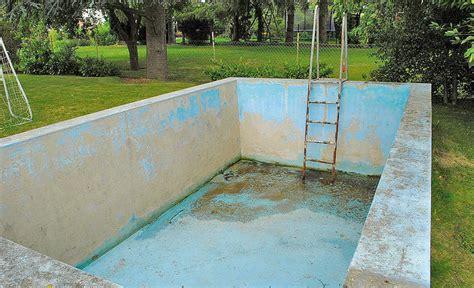 Außenpool Selber Bauen by Pool Reparieren Selbst De