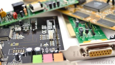 What Does Electronic Engineer With Pictures