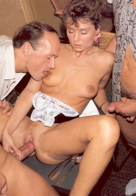 Old Porn Retro Horny Chick Does A Gangbang Xxx Dessert
