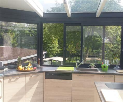cuisine dans veranda photo bien aménager une cuisine dans une véranda cuisine plus