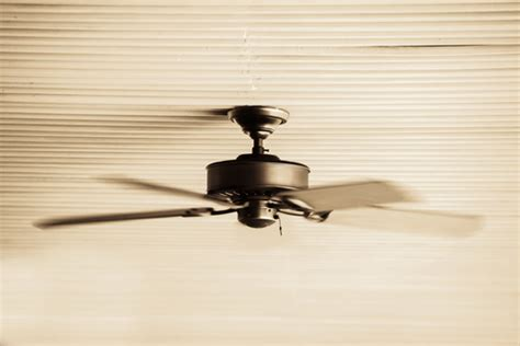 Ceiling Fan Wobbles And Makes Noise by How Do You Stop A Ceiling Fan From Wobbling