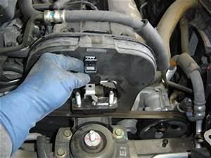 Carfix  2004 Suzuki Forenza Check Engine Light Code P0342