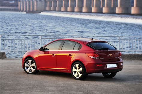 2012 Chevrolet Cruze Hatchback Review