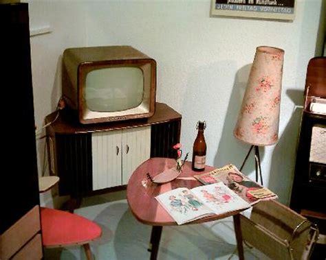 50er Jahre Einrichtung by Radiomuseum M 252 Nchweiler