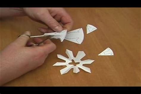 video basteln im winter  gestalten sie eiskristalle aus papier