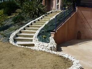 escaliers paysagers paysagiste toulouse les jardins du sud With amenagement exterieur terrain en pente 14 escalier exterieur les perrin