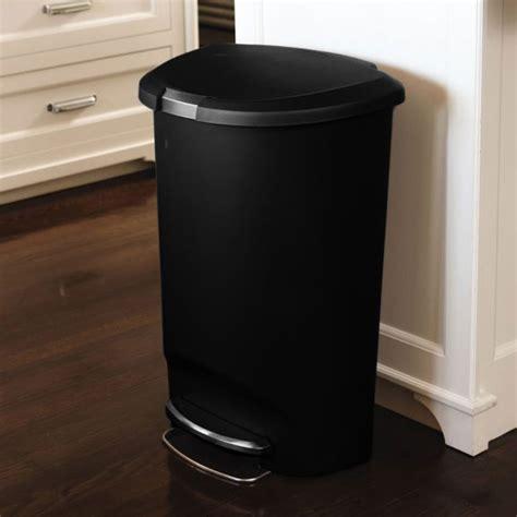 poubelle de cuisine à pédale poubelle de cuisine à pédale 50 litres en plastique demi