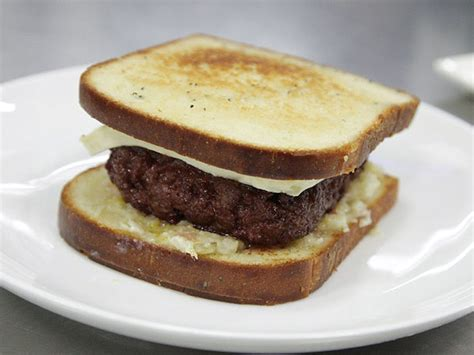 modernist cuisine food is a hamburger considered a sandwich