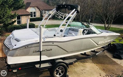 Used Pontoon Boats Hickory Nc by New And Used Boats For Sale In Hickory Nc