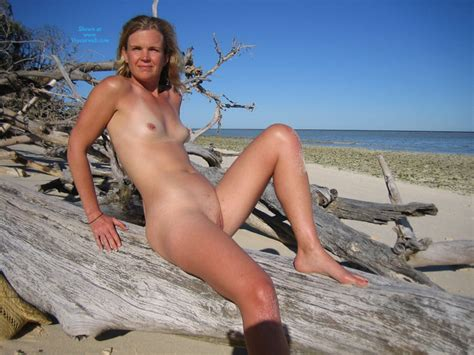 Sexy Island Pictures April Voyeur Web Hall Of Fame